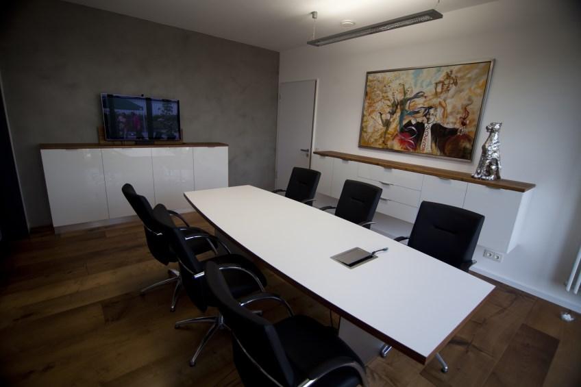 Büroeinrichtungen 1